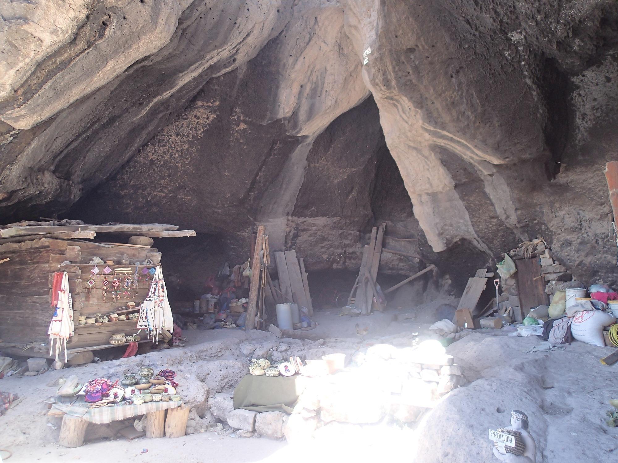 qué hacer en creel Cueva Sebastian