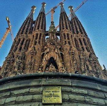 cuanto cuesta viajar a España atracciones