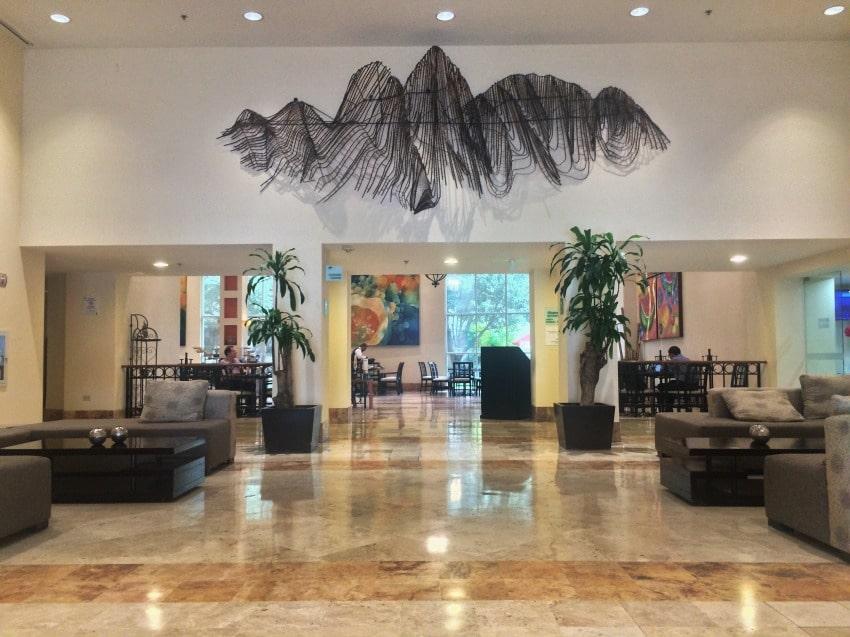 lobby-monterrey