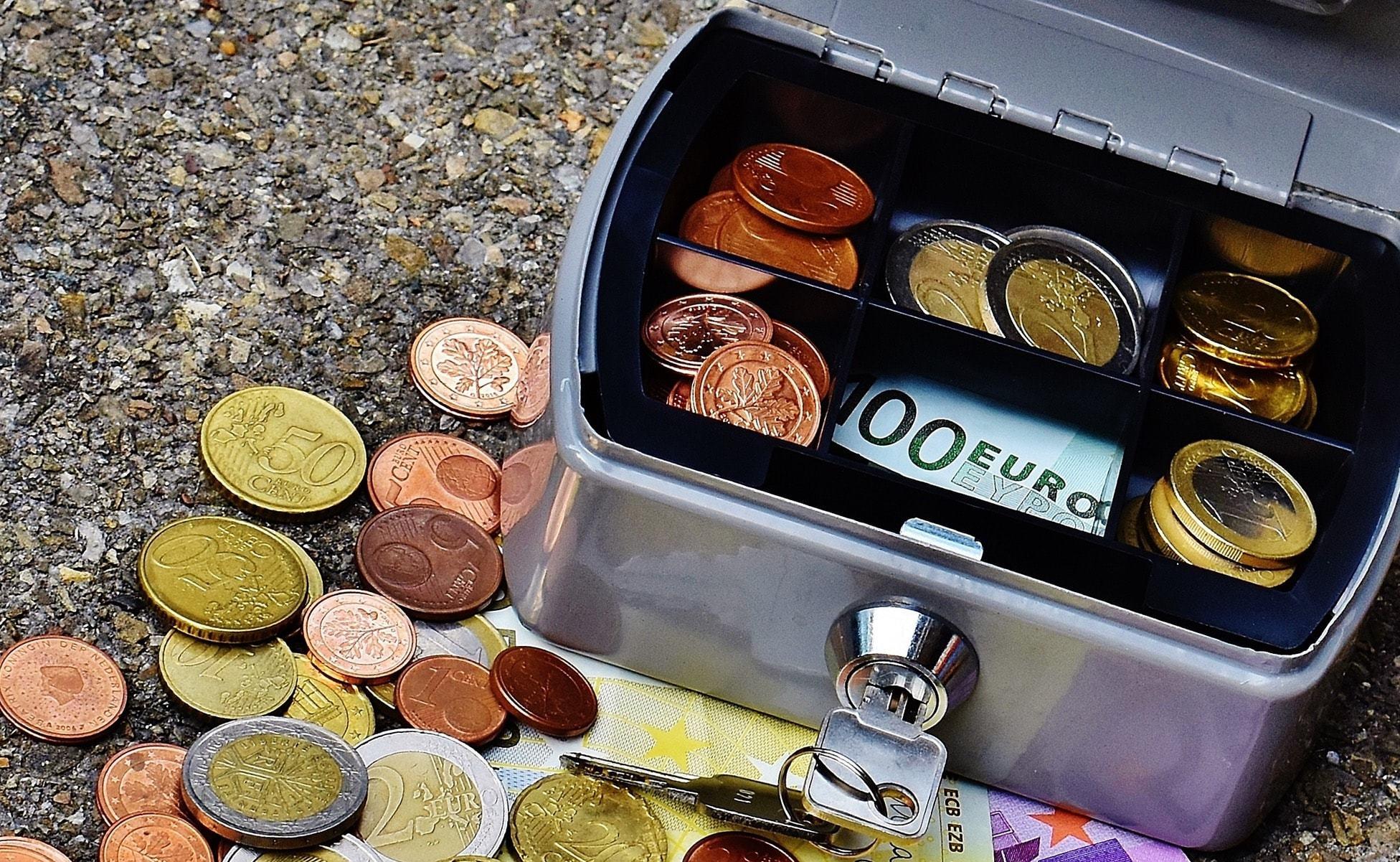 cómo guardar el dinero en un viaje indice