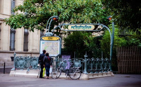 cómo funciona el transporte público en parís-min